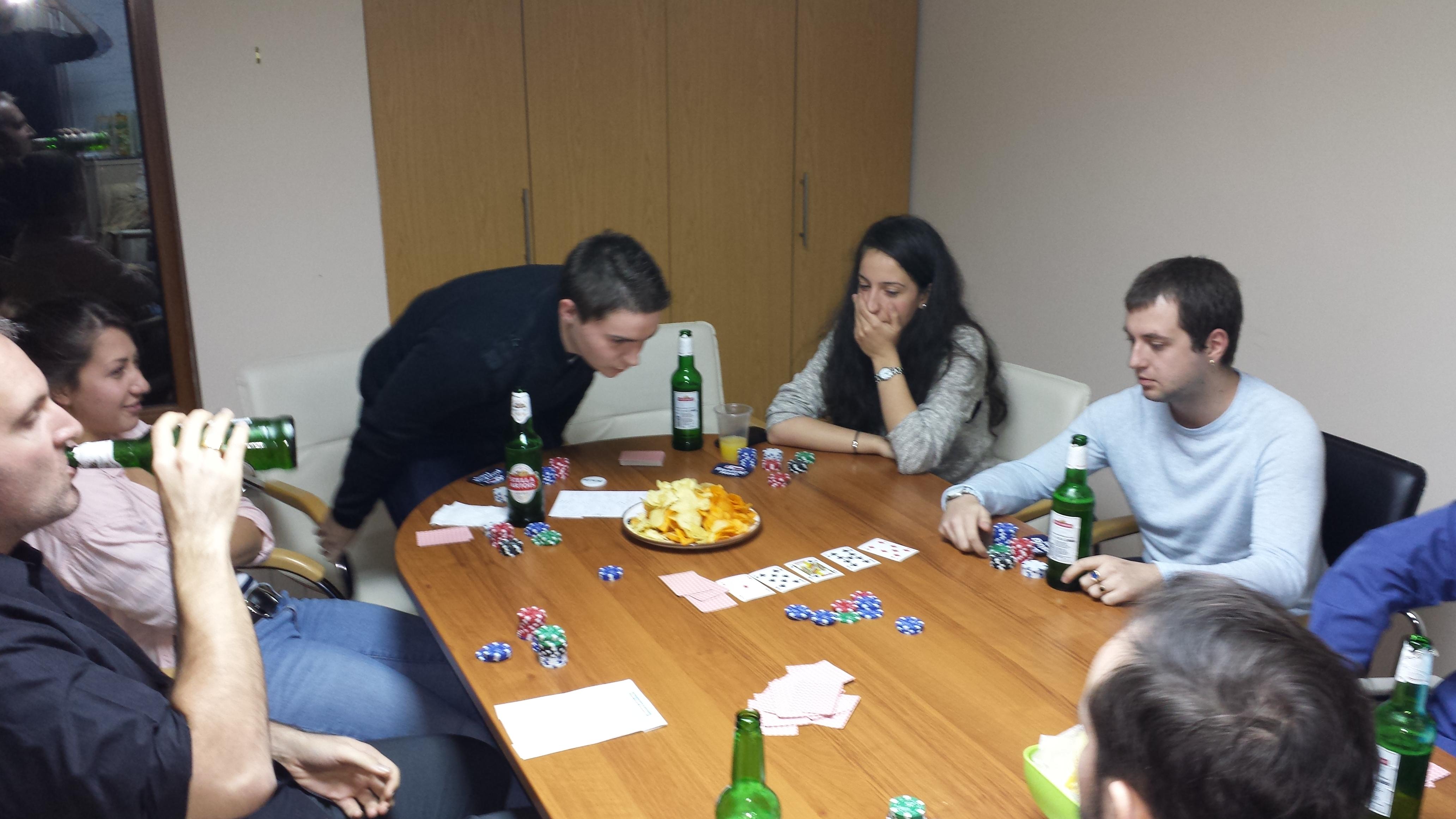 #PokerFaceEnCarton